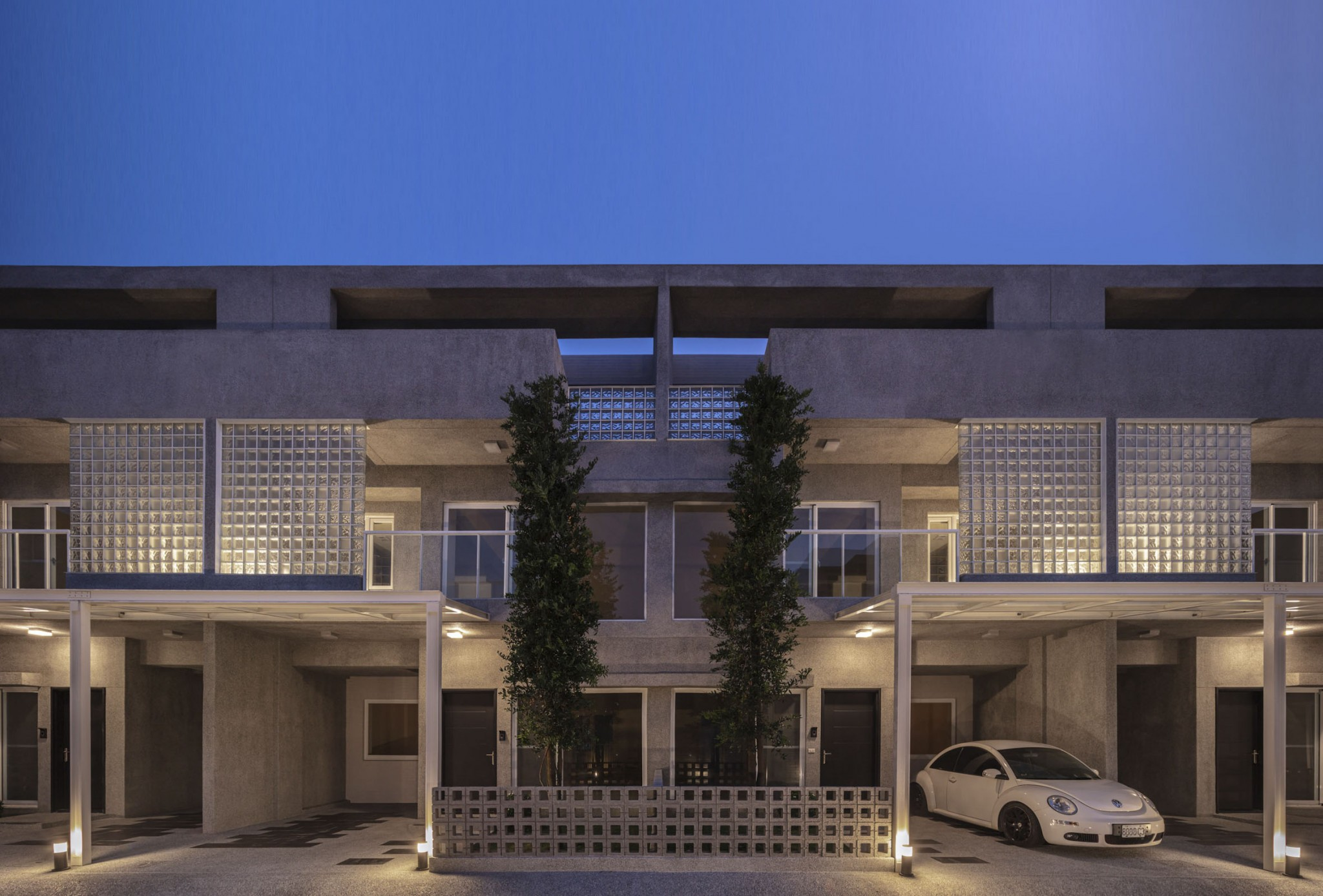 FRONT ELEVATION NIGHT VIEW 01
